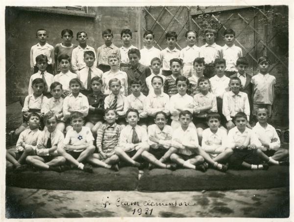 Classe IV elementare della scuola L. Rossari di Milano, anno scolastico 1930-31. Tra gli alunni Antonio Cederna